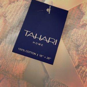 Tahari Home White and Pink Floral Towel Set